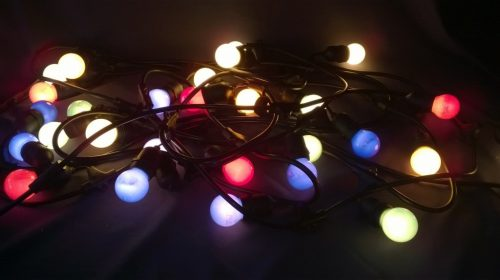 Krāsainu lampiņu virtene (LPV07) Гирлянда с цветными лампочками Lighting chain with colored lights