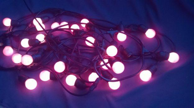 Sarkana lampiņu virtene (LPV06) Гирлянда с красными лампочками Lighting chain with red lights
