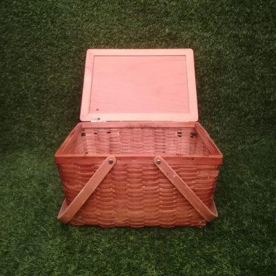 Brūns piknika grozs (GRO9) grozu noma, grozi Коричневая корзина для пикника Brown picnic basket