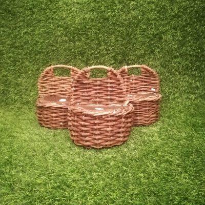 Brūni pīti grozi (GRO28) grozs, grozu noma Коричневые плетеные корзины Brown wicker baskets