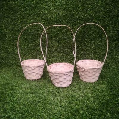 Balti pīti grozi (GRO27) grozs, grozu noma Белые плетеные корзины White Wicker Baskets