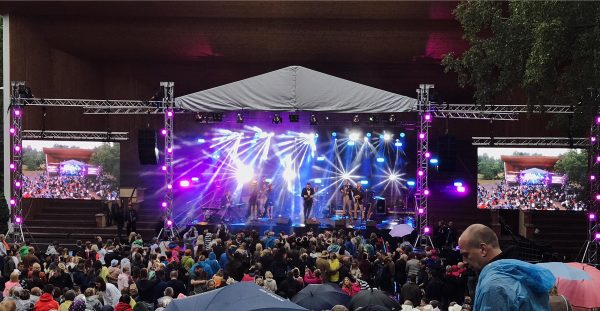 Eurotruss HD34 10x9x7 + stage + wing