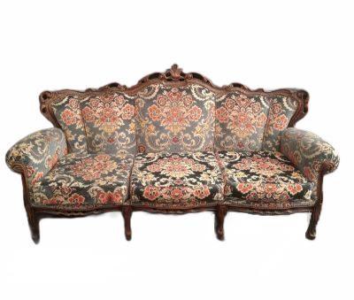 Rakstains dīvāns (DV77). dīvānu noma. izīrē dīvānus. nomāt dīvanu Colorful antique sofa Разноцветный старинный диван