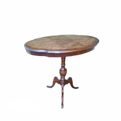 Apaļš koka galdiņš. galdiņu noma. iznomā galdus. nomāt galdu Round wooden table (GLD66) Круглый деревянный стол (GLD66)