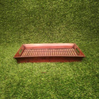 Brūna koka paplāte Коричневый деревянный поднос Brown wooden tray trauku noma iznomā paplātes