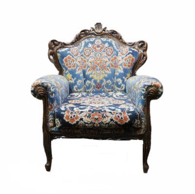 Rakstains atpūtas krēsls (ATKR11) atpūtas krēslu noma. krēslu īre./ Antique armchair for rent Кресло для отдыха