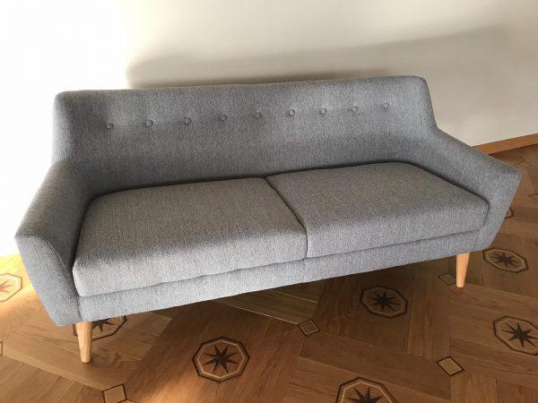 Pelēks dīvāns (DV12) dīvānu noma. iznomā mēbeles Gray sofa (DV12) for rent Серый диван