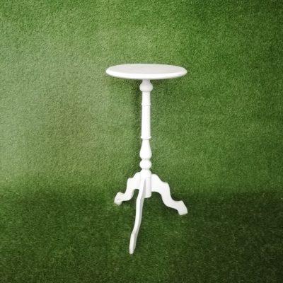 Balts galdiņš (GLD60) galdu noma. iznomā galdus. galda īre White table (GLD60) Белый стол (GLD60)