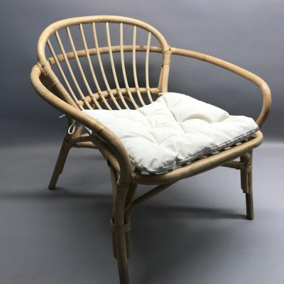 Koka krēsls (KR12) āra , dārza mēbeļu noma Wooden chair for rent, lounge furniture rent Деревянный стул