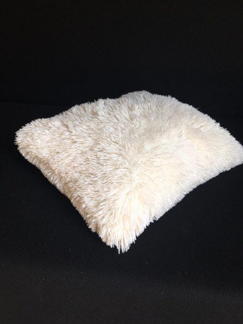 Balts dekoratīvs spilvens Белая декоративная подушка White decorative pillow