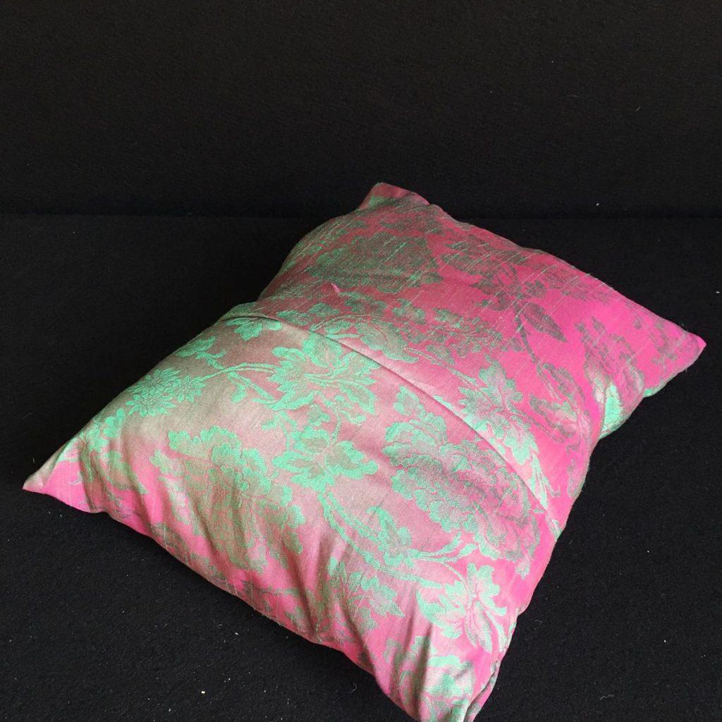 Rozā dekoratīvs spilvens Розовая декоративная подушка Pink decorative pillow