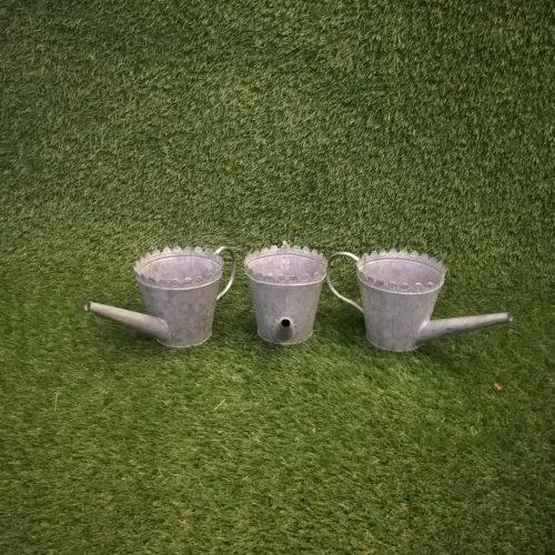 Maza metāla lejkanna Маленькая металлическая лейка Small metal watering can