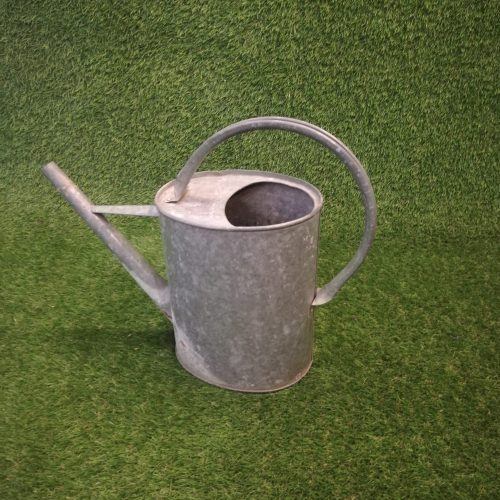 Metāla lejkanna Металлическая лейка Metal watering can