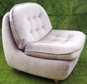 Atpūtas krēsls Beige armchair for rent Кресло для отдыха