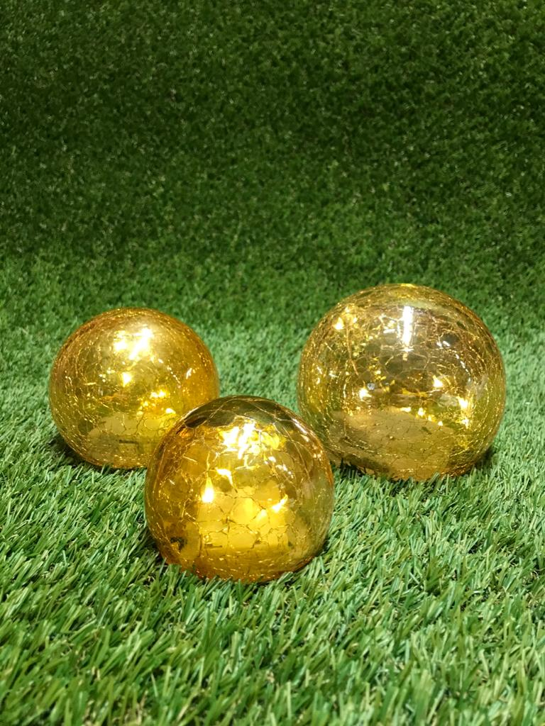 """Zelta gaismas bumbu komplekts Световой декор """"Золотые Шары» Light decor """"Golden Balls"""""""