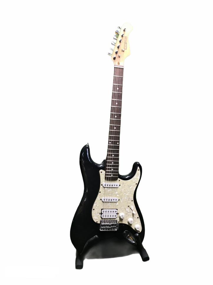 Melna ģitāra Черная гитара Black guitar