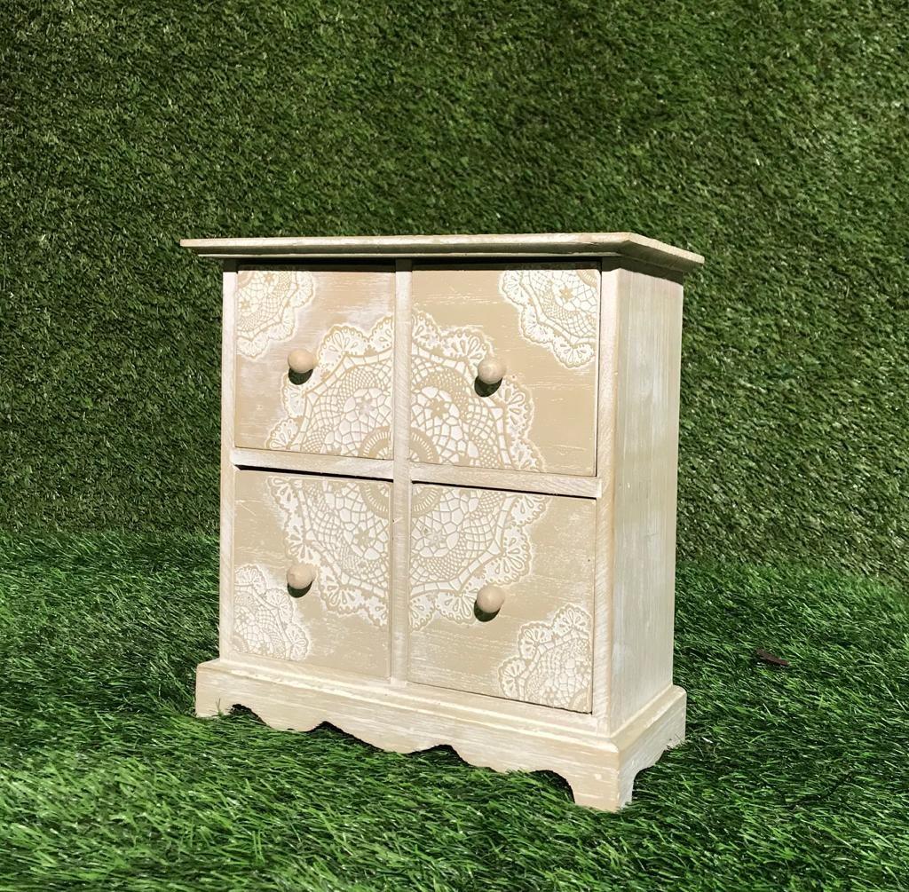 Koka kastīte ar atvilktnēm Деревянная коробка с ящиками Wooden box with drawers