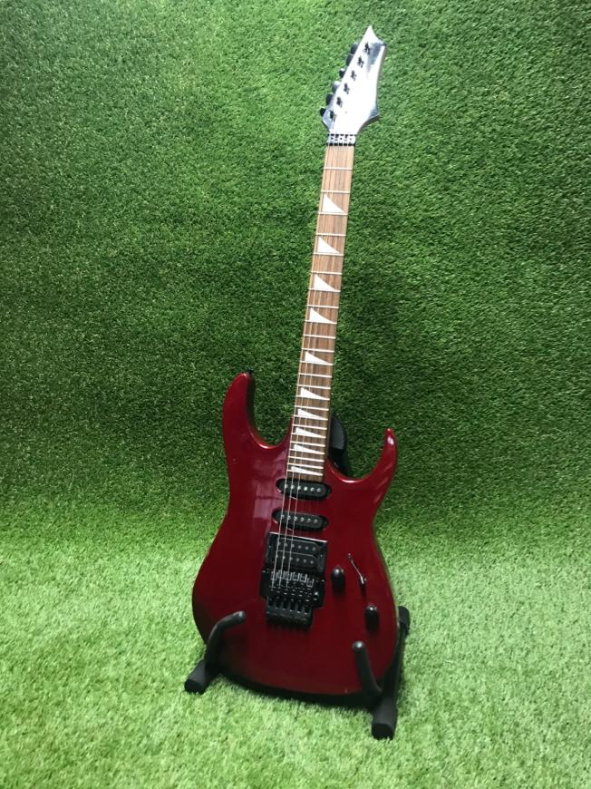 Sarkana ģitāra Красная гитара Red guitar