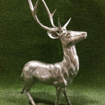 Metāla briedis Металлический олень Metal deer