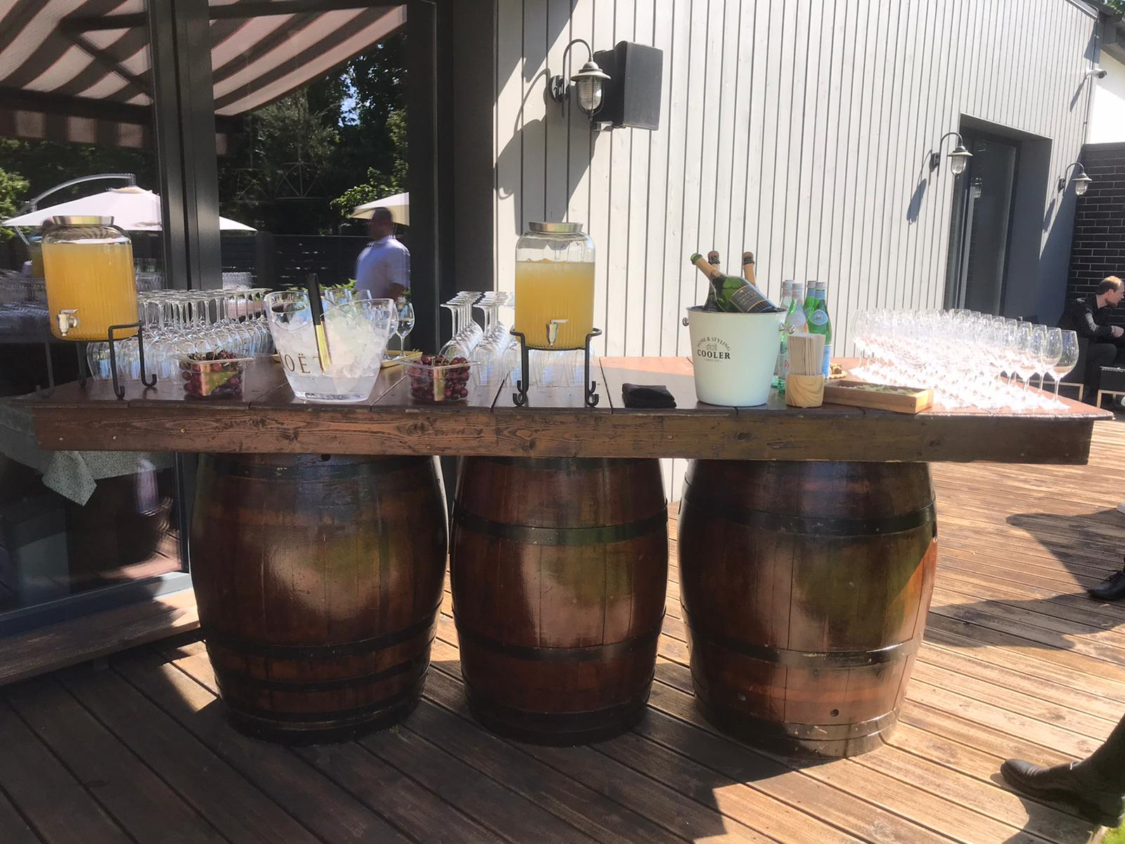 Koka mucu bārs Бар из деревянных бочек Bar from wooden barrels